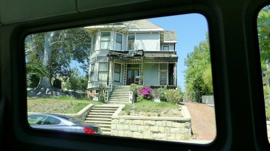 Legends Of Hollywood Tours: Don Draper's childhood house.