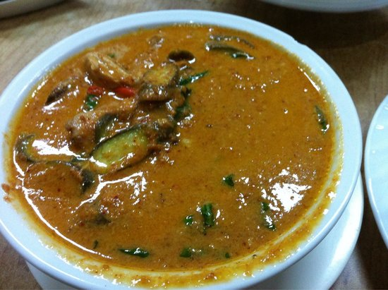 Som's Noodle House : Soms red curry