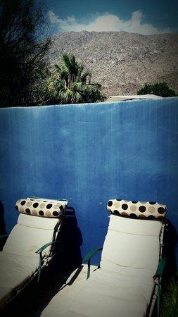 The Rossi Hotel: patio