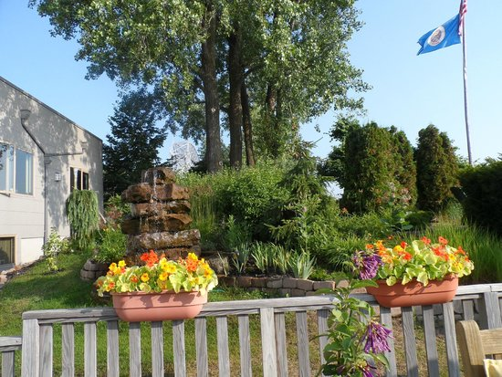 Solglimt Bed & Breakfast: Beautiful Gardens