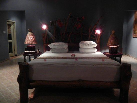 Hotel Tugu Lombok : Aloon-Aloon villa bed