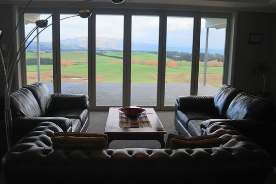Ribbonwood Country House: View from the lounge