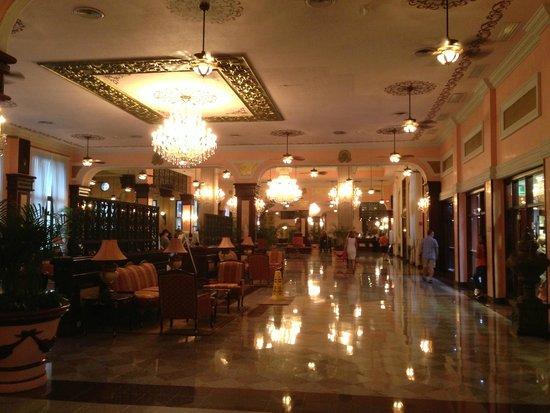 Hotel Riu Palace Riviera Maya: Hall