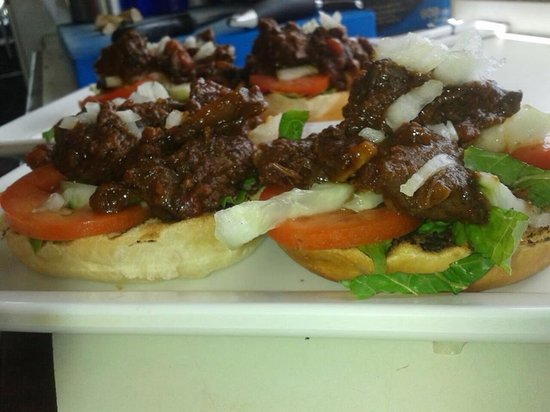 Kite City: Beef stew sandwich (Baka Stoba)