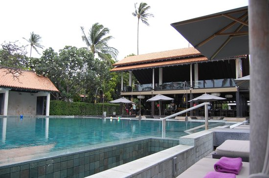 Le Meridien Koh Samui Resort & Spa: Dining
