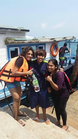 Paya Beach Spa and Dive Resort: Ms Yati and Us :)