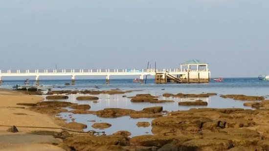 Paya Beach Spa and Dive Resort: Jetty