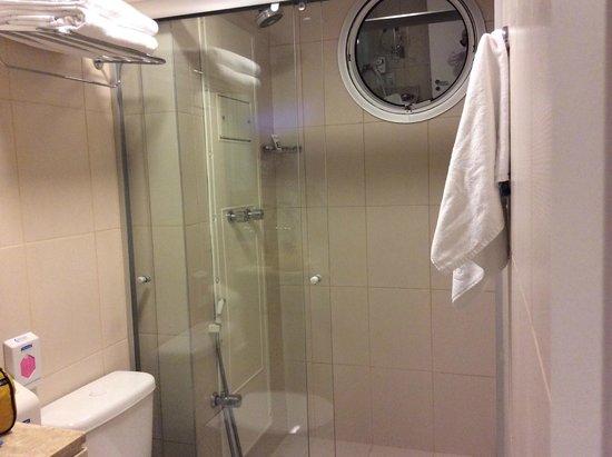 Mercure São Paulo Jardins Hotel : banheiro da suite