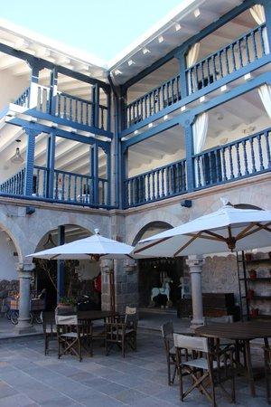 El Mercado : Hotel open space