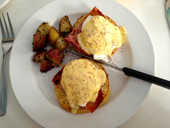 Cafe Heaven: Wonderful Eggs Benedict