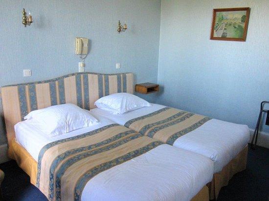 Hotel du Quai-Voltaire : パリホテル1