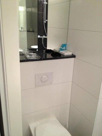 Motel One: Banheiro