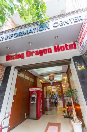 Rising Dragon Hotel: 外観