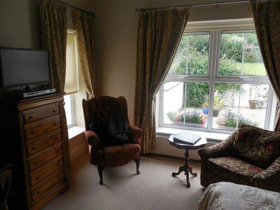 Castlewood House: Bedroom view of the garden