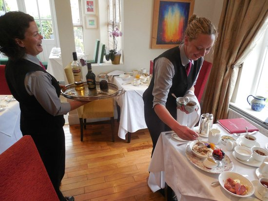 Castlewood House: Two chatty, helpful and friendly breakfast servers.