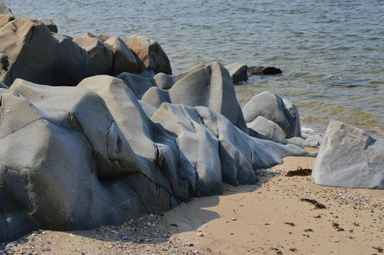 Bay Shore Road: Tidal Erosion of the rocks on Hudson bay