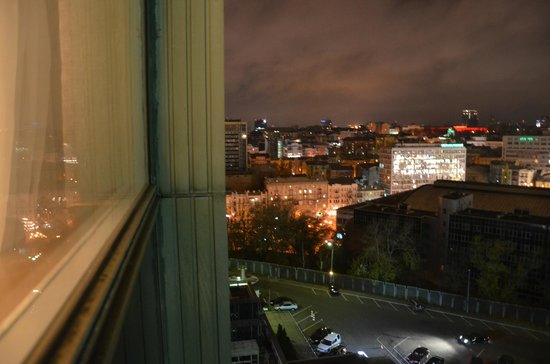 Premier Hotel Rus: A VIEW FROM THE SIDE