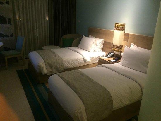 Holiday Inn Express Phuket Patong Beach Central: ツインベッド