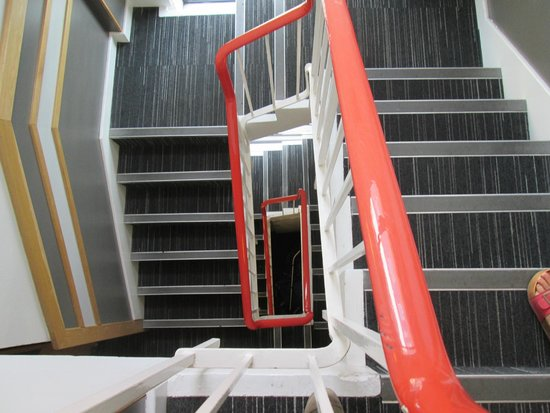 YHA London Oxford Street: escalerass