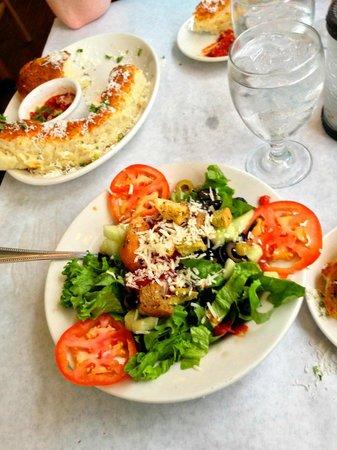 Villaggios: Delicious Fresh Salads