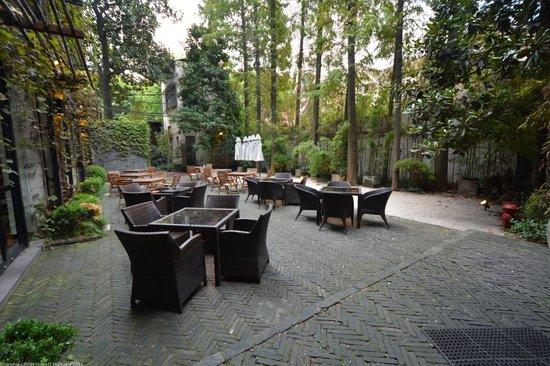 URBN Boutique Shanghai: Garden Outdoors