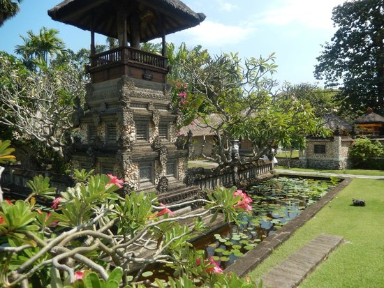 The Oberoi Bali: Beautiful grounds