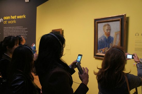 Van-Gogh-Museum: Visitors are allowed to take most but not all paintings on display in the museum.