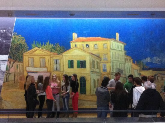 Van-Gogh-Museum: Go early to avoid crowd