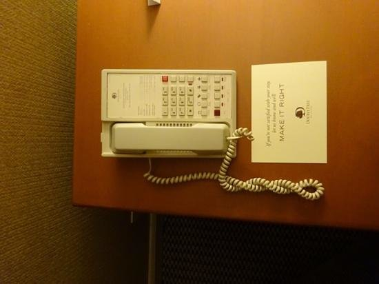 DoubleTree by Hilton & Miami Airport Convention Center: It took a while to figure out why i couldn't get a dial tone.