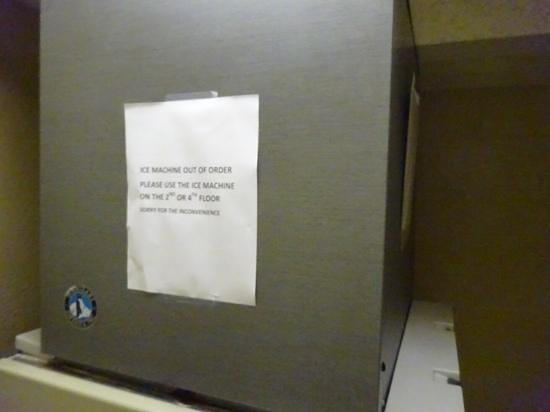 DoubleTree by Hilton & Miami Airport Convention Center: even floors had ice, but were sold out of soda and water.
