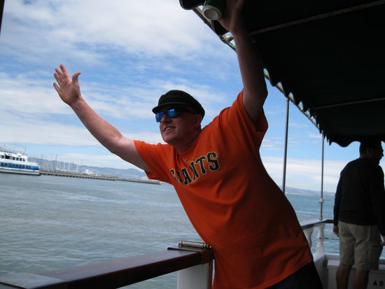 San Francisco Bay Boat Cruises/Wine Tasting on the Bay: Capt. Kevin of the Neptune