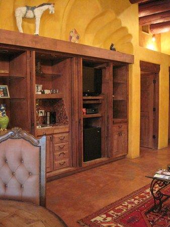 """El Monte Sagrado: Global """"Spain"""" Suite Living Area"""