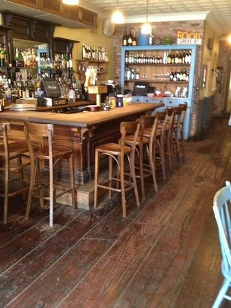 Miss Lucy's Kitchen: great bar