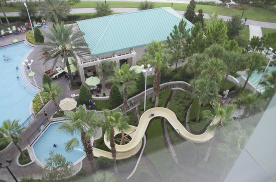 Hilton Orlando Bonnet Creek: View of water slide from 7th floor room