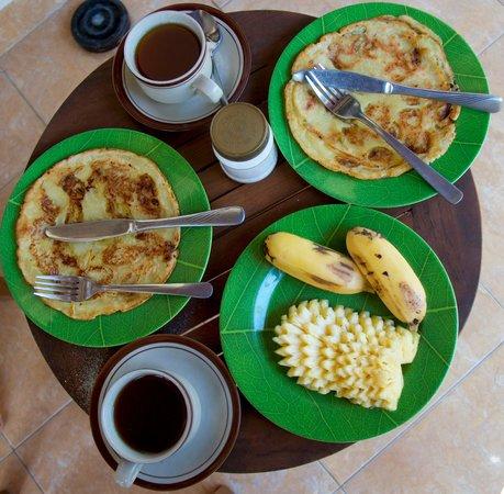 Gili Life Homestay: Breakfast