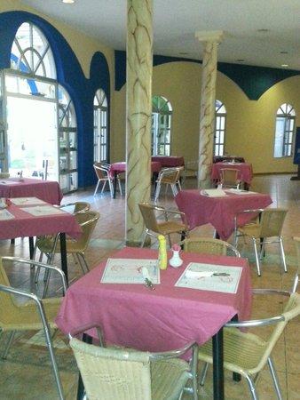 Brisas del Caribe Hotel: Cafetería