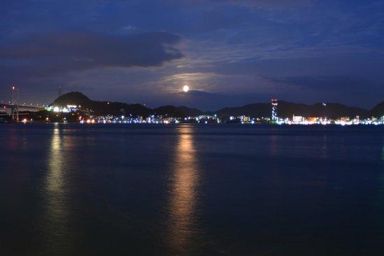 Plaza Hotel Shimonoseki : ホテルから徒歩5分程の距離にある夜景