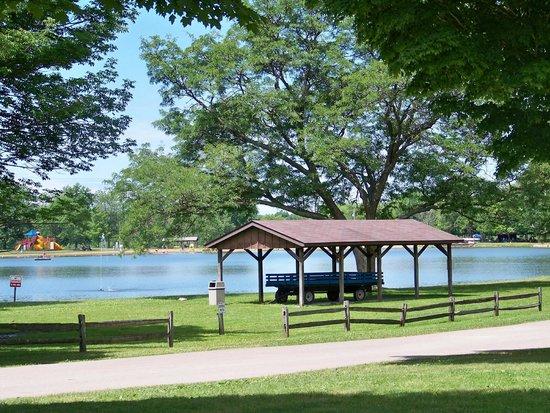 Roundup Lake RV Resort: Lake View