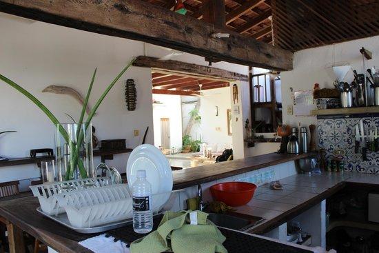 Posada La Cigala: Cozinha e área de convivência