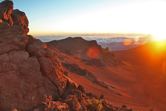 Haleakala Crater: here comes the sun ...