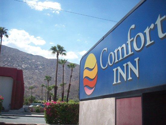 Baymont Inn & Suites Palm Springs: Choice Comfort Inn