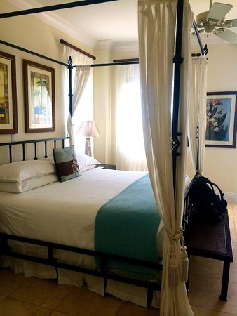 Seven Stars Resort & Spa : Bedroom in one of the units.