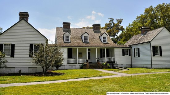 Charles Pinckney National Historic Site: Front of Snee Farmhouse