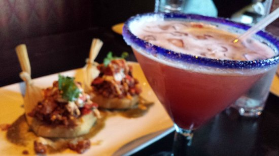 Diablo's Cantina: Bbq chicken tamales & Sinful Vixen cocktail.