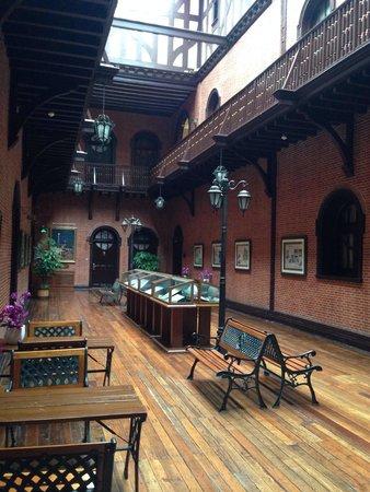 Astor House Hotel: museo foto e oggetti antichi