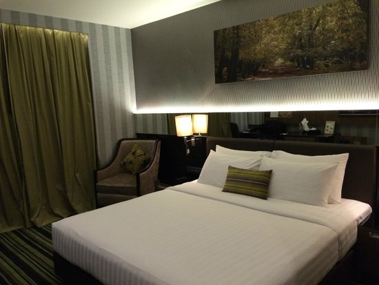 The Continent Hotel Bangkok by Compass Hospitality : Premier room