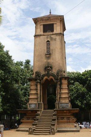 Kelaniya Raja Maha Vihara: Kelaniya - temple