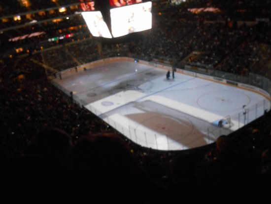 American Airlines Center: 4
