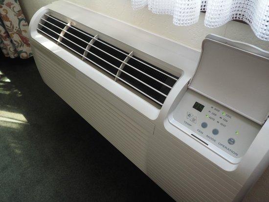 Enzian Inn : Air Conditioner Unit in room 126  - 1 Queen Room