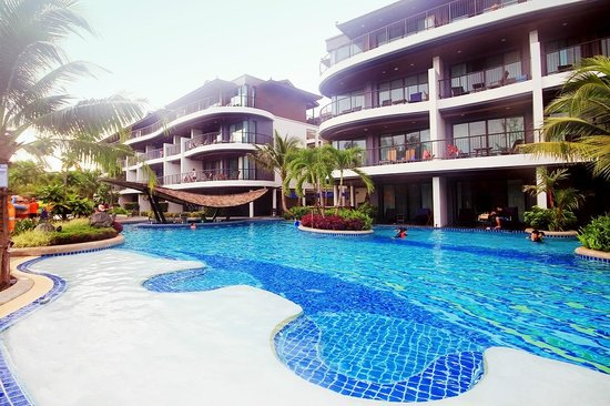 Holiday Inn Resort Krabi Ao Nang Beach: Pool area